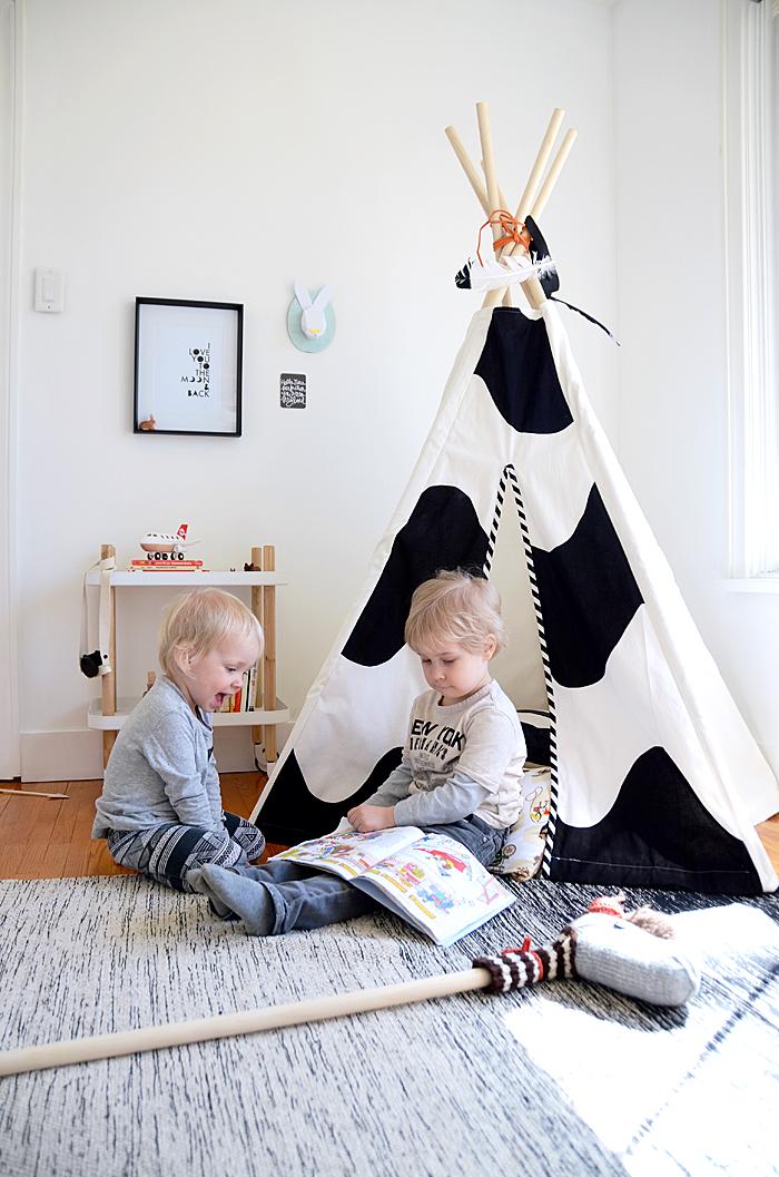 kids reading nook 1_edited-2